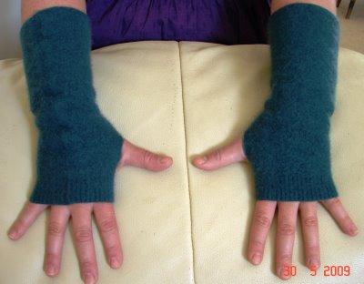 making simple fingerless gloves