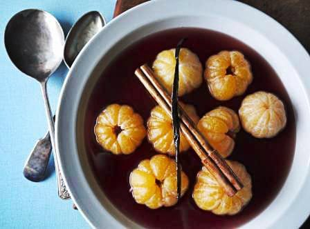 Poached Satsumas in red Wine