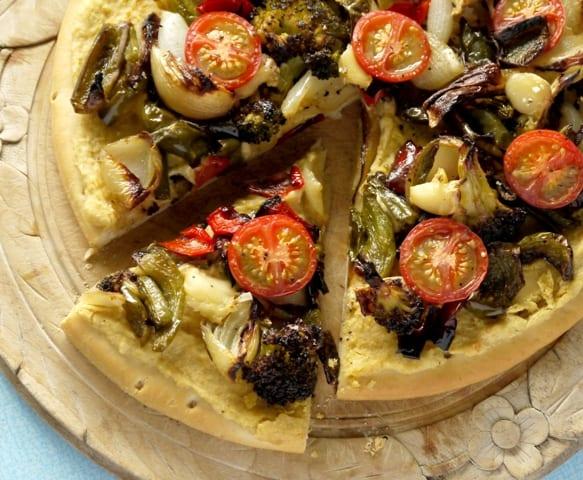 Houmous and roast veg pizza