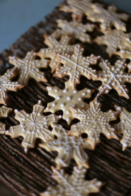 Gluten Free Snowflake Cookies | The Hedgecombers