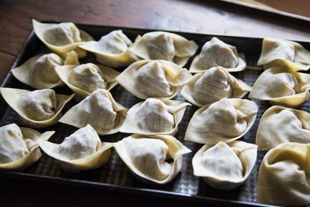 Vegetarian wontons waiting to be cooked