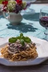 Quick and Easy Creamy Mushroom Pasta