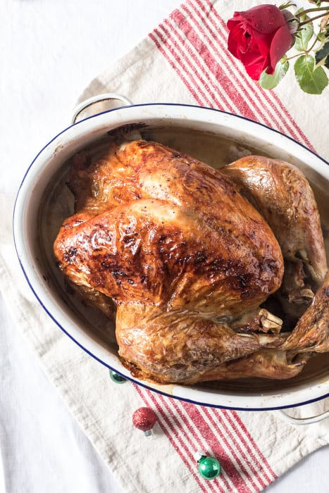 How to cook a roast turkey a roast turkey in a roasting pan